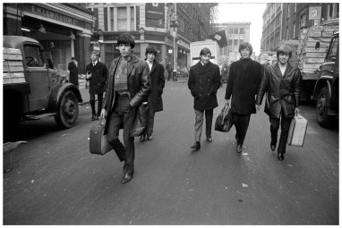 english-rock-group-the-rolling-stones-with-manager-andrew-loog-oldham-london-1963-left-to-right-andrew-loog-oldham-keith-richards-bill-wyman-charlie-watts-mick-jagger-and-brian-jo.jpg