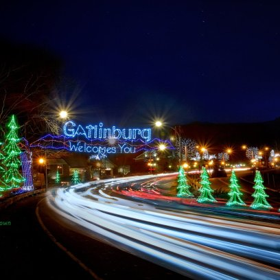 Gatlinburg-Welcomes-You-Night-HQ-LRG