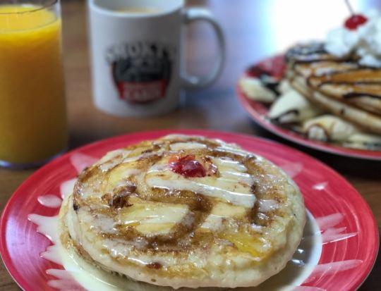 Smokys-pancake-cabin-pineapple-pancakes