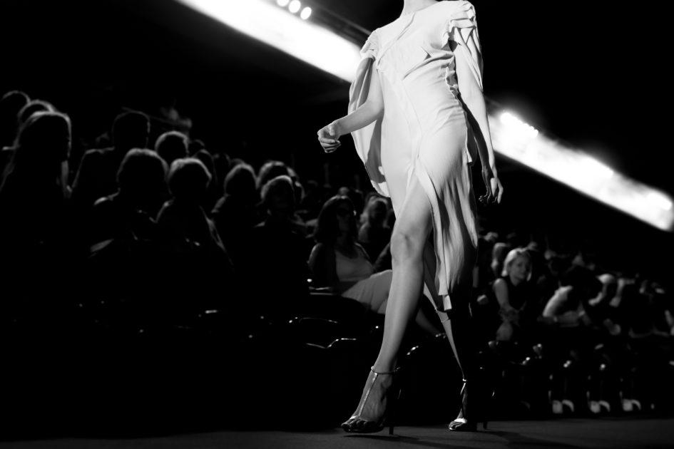 モデルの美ウォーキング