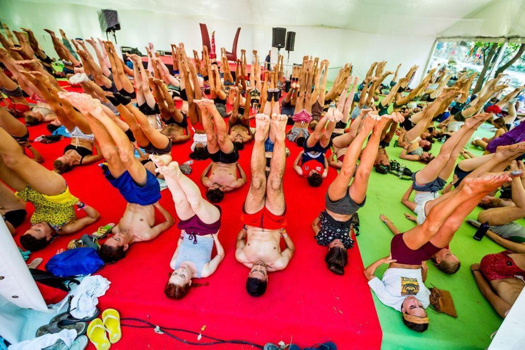 Sziget cours de yoga sur la plage 2018