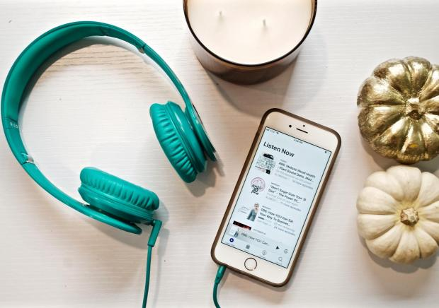 Dancing for Donuts | My Favorite Podcasts for Bloggers, Entrepreneurs, Women, Healthy Living Junkies, or anyone who loves a good laugh!
