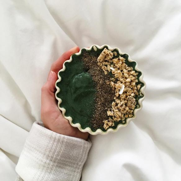 Dancing for Donuts | Friday Finds | Spirulina Smoothie Bowl