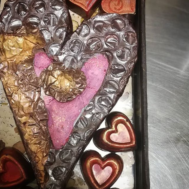 2019 LIMITED EDITION HEART BOX. I crafted 8 unique heart sculptures, each backed with caramel and filled with vibrant dark ganache. Laid each on a bed of rose blossom, lavender, pistachio nougat. Surrounded each with heart bonbons. Finished the box with poetry. 3 remain.#chocolatier #chocolateasart #valentines #sculpture