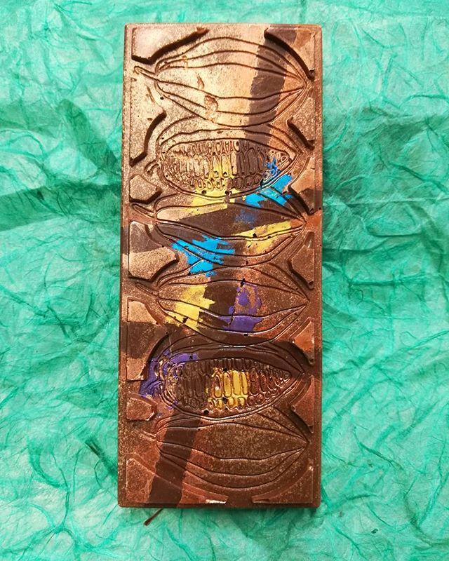 CROSSROADS - rich cashew & Caribbean dark chocolate gianduja crossed between layers of African milk and Itakuja Brazilian dark chocolates.#chocolatier #chocolateasart #crossroads #gianduja @valrhonausa #doublefermentation