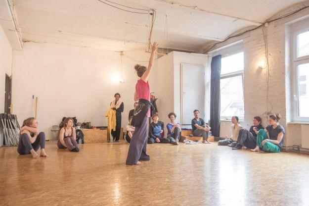 Dancing The Moment Tatwerk 16'
