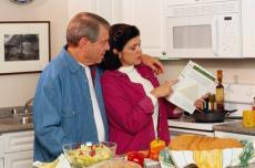 NIH illustration of reading food label