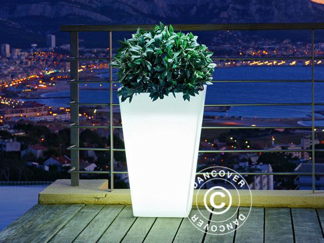Stijlvolle plantenbakken met ingebouwde verlichting