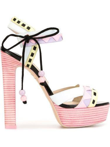 Sandália modelo Riko R$2360,00