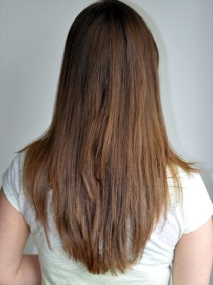 Desculpe o cabelo enroscado rs. Essa foto é de uma câmara DSLR com luz natural também.