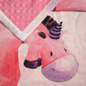 paturica bebe unicornul roz