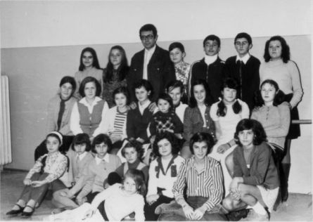 Trupa de teatru pioneresc de la Casa Pionierilor - 1974, coordonator - actorul Corneliu Dan-Borcea