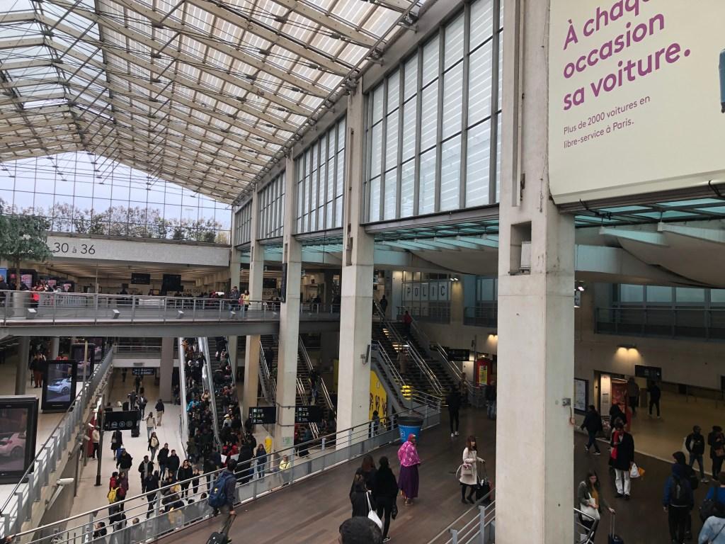 パリ北駅構内の様子