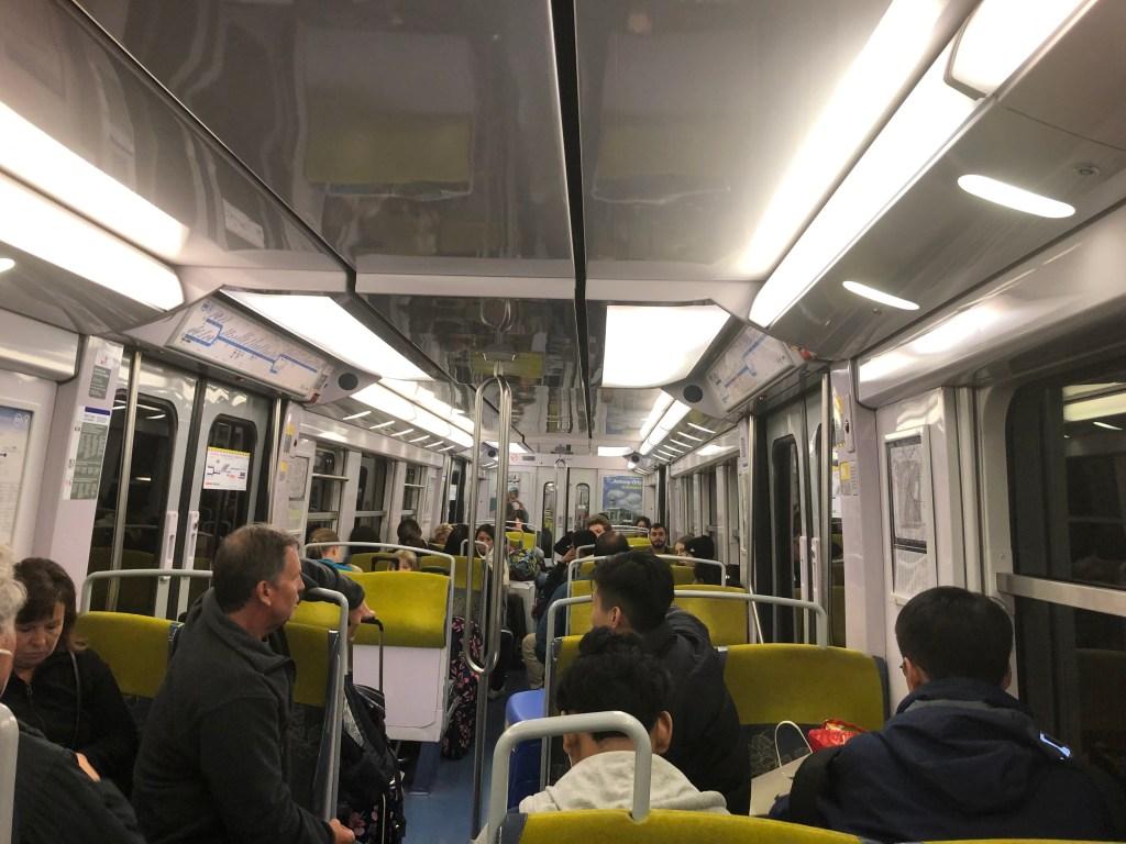 RER B線の車内