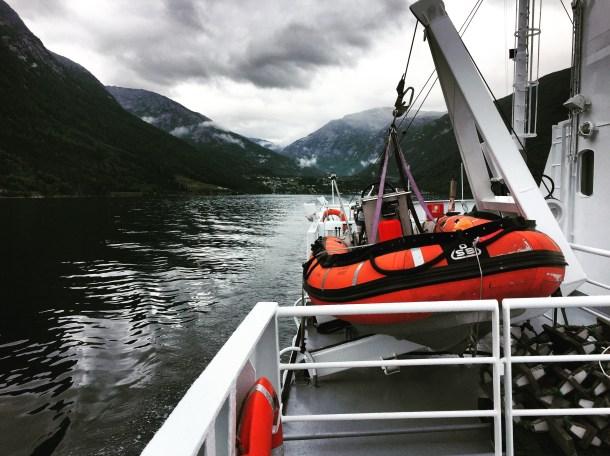 Fährfahrt im Fjord