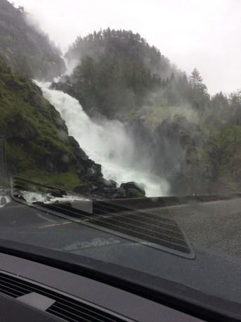 Wasserfallstraße Norwegen