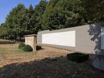 Mauer auf dem Invalidenfriedhof