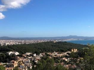 Blick von der Marienstatue in Genova
