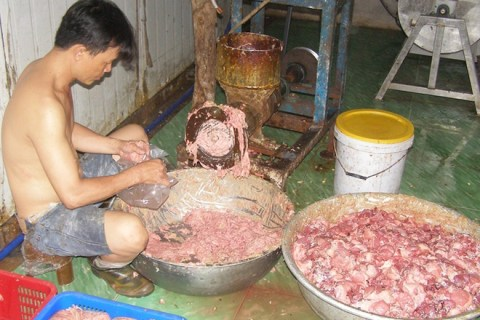 Hô biến thịt bẩn thành bò viên, đặc sản - Kinh doanh - ZINGNEWS.VN