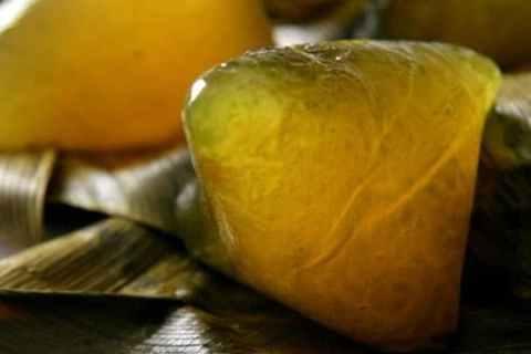 Bánh gio hay còn gọi là bánh ú tro, bánh nẳng... món quà quê gây thương nhớ cho bao người - VietFlavour.com