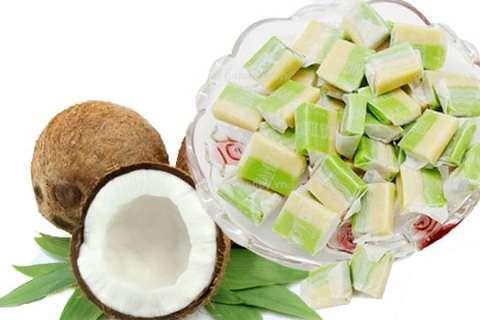 Kẹo dừa được xem là đặc sản nổi tiếng nhất của xứ dừa Bến Tre - VietFlavour.Com