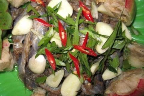 Bần xanh chấm mắm cá chốt - Món ăn gây ghiền và thương nhớ cho biết bao thế hệ lớn lên từ đồng quê