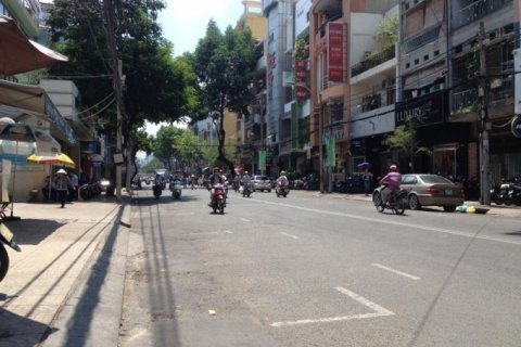 Bán nhà mặt tiền Nguyễn Phi Khanh. P. Tân Định. Quận 1, DT: 4.5mx20m, 1