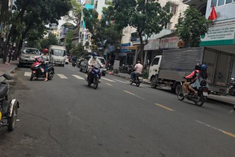 Cần bán khách sạn đường Ký Con, Phường Bến Nghé, Quận 1, dt 4,3 x17m, giá  14,5 tỷ. LH: 0908.7430.68. Liên hệ: 0985743068