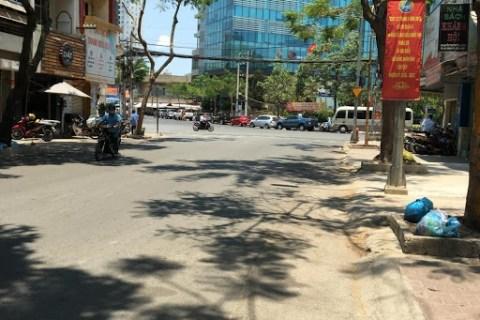 Bán nhà MT đường Nguyễn Trường Tộ, Quận 4, vị trí đắc địa, giá cực tốt LH:  0903195529