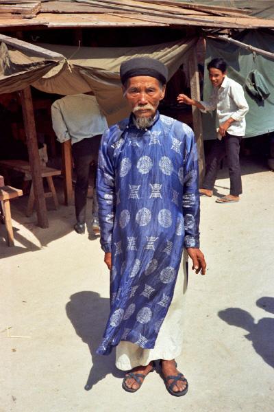 Loat hinh cuc doc ve dam cuoi o Quang Tri nam 1969-Hinh-16