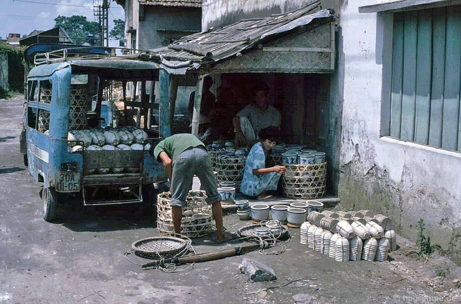 Ngoᾳi thành Hà Nội nᾰm 1991, 1992 trong ἀnh cὐa Hans-Peter Grumpe