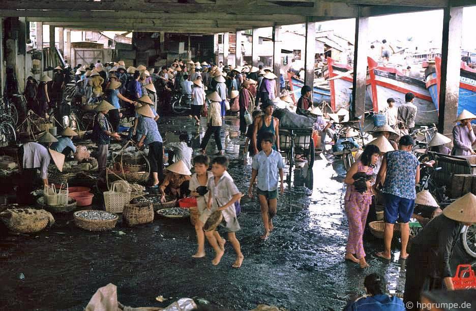 Nha Trang: chợ cά