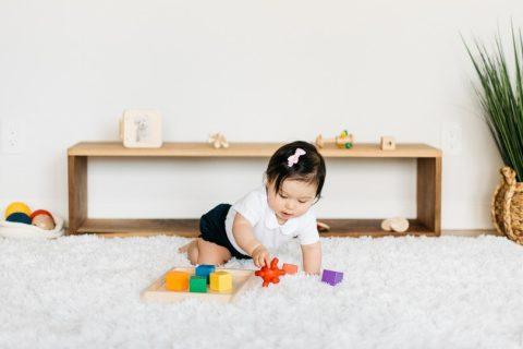 5 cách áp dụng phương pháp giáo dục sớm Montessori cho trẻ sơ sinh