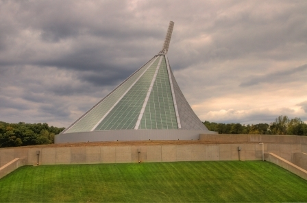 Museum_exterior_3_hdr