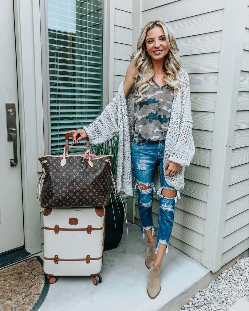 instagram outfits roundup travel outfit express camo top free poeple cardigan