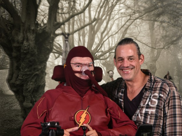 Daniel Baker dressed as the Flash with Nicholas Brendon at Geekmania Gloucester image Copyright 2019 Roger Hathaway Photography