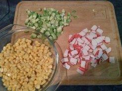 salata surimi și avocado preparare