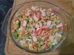 salata surimi si avocado