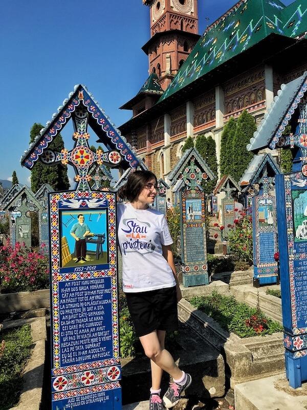 vizitat cimitirul vesel maramures sapanta work and travel daniela bojinca blog