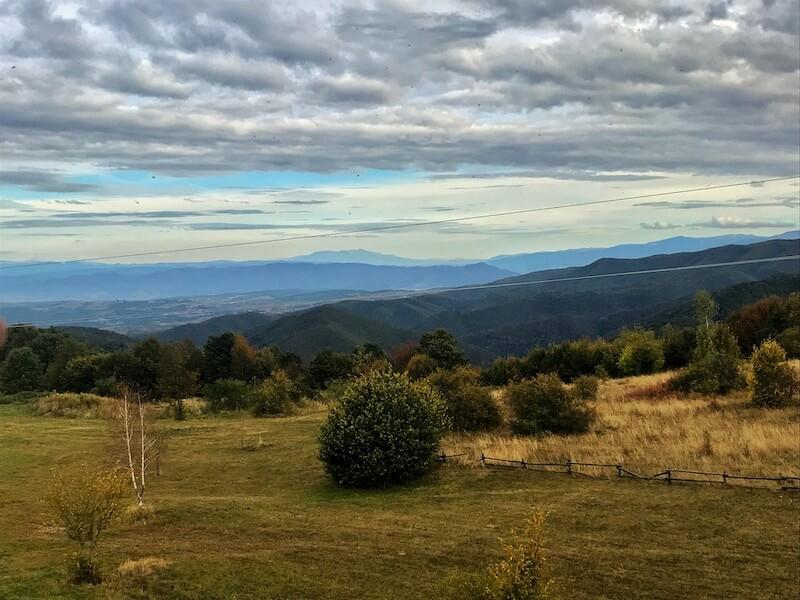 vedere tinutul padurenilor munti panorama hunedoara