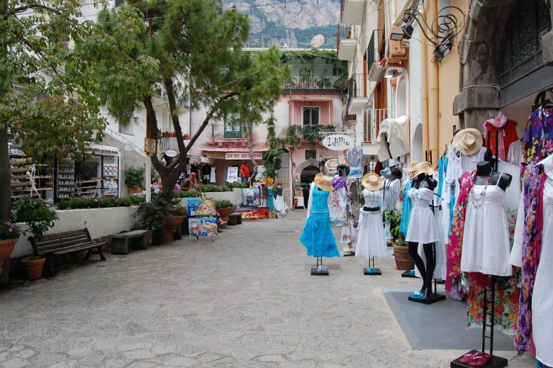 comercio-positano-italia-costa-amalfitana
