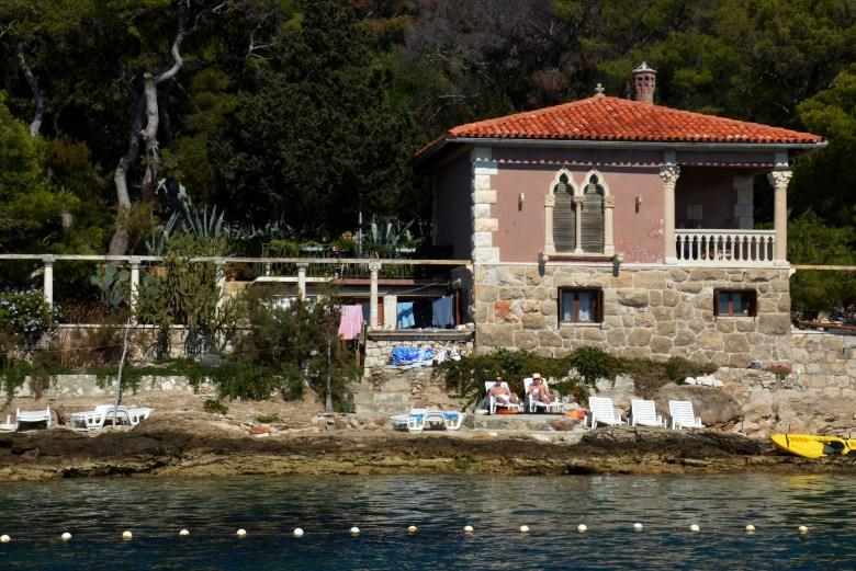 ilhas pakleni - hvar - praia - croácia - turismo