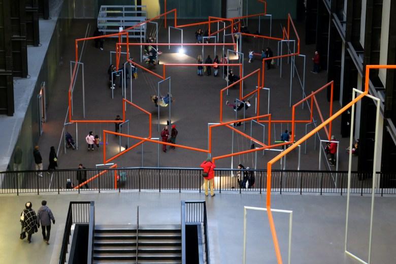 tate modern - londres - instalação de arte - pontos turísticos
