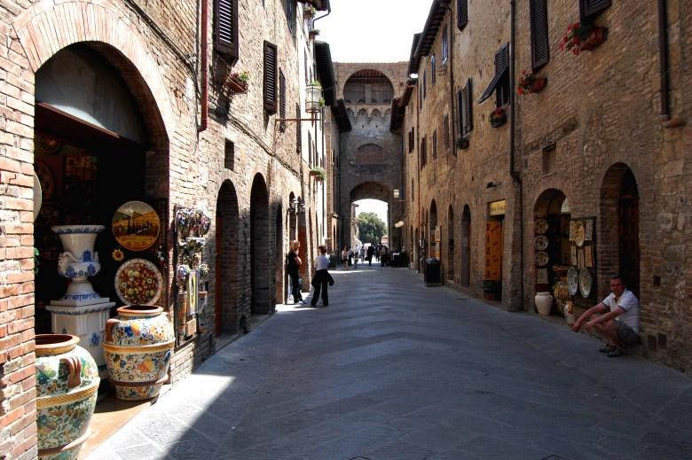 ruas medievais-san gimignano-toscana-italia-pontos-turisticos