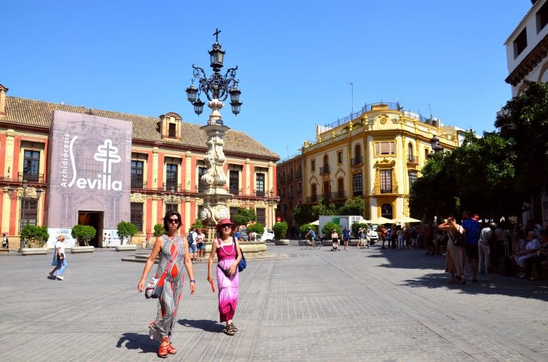 plaza de Los Reyes - sevilha - turismo - andaluzia