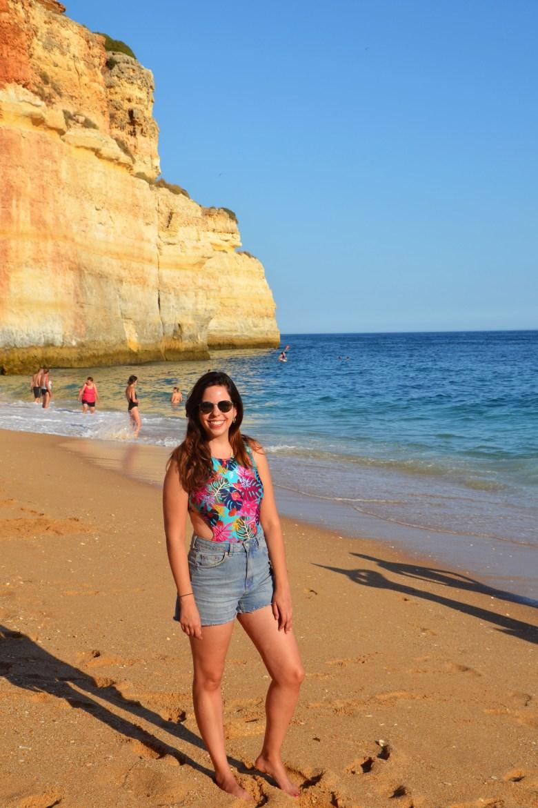 benagil - as melhores praias do algarve - portugal - turismo