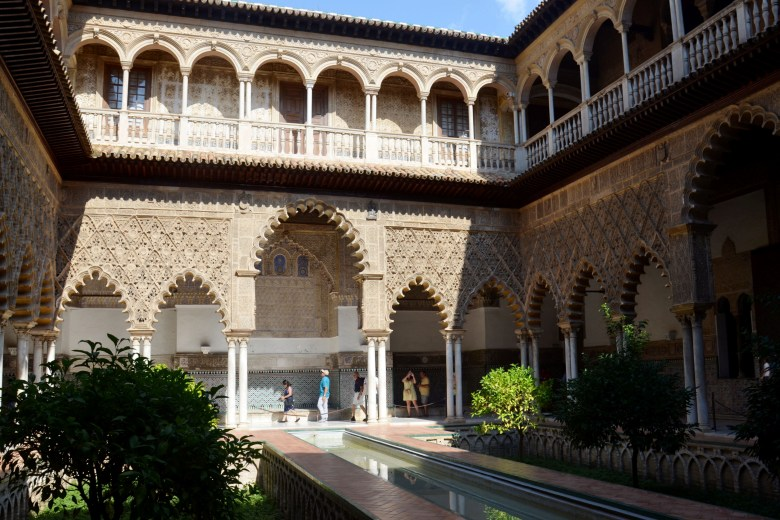 pátio das donzelas - palácio alcazar de sevilha - andaluzia - pontos turísticos e fotos