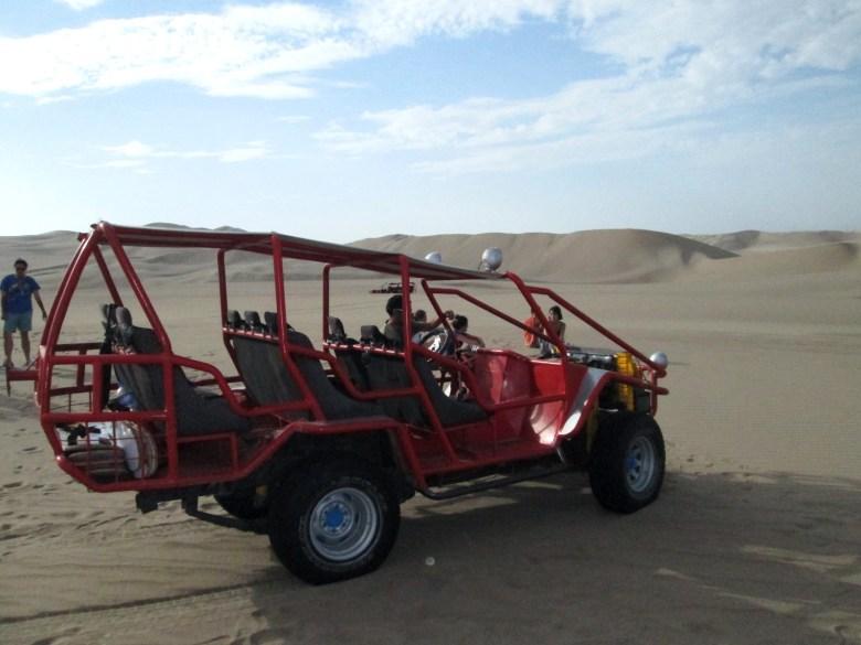 passeio de buggy - huacachina - oásis - peru - turismo
