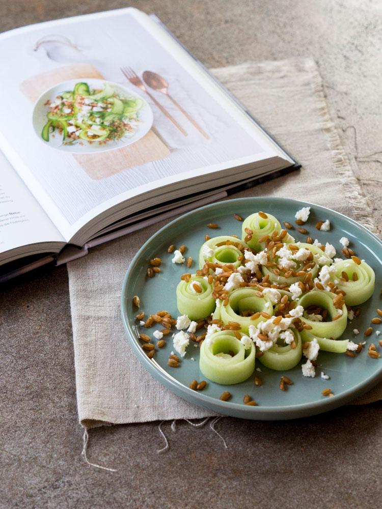Körniger Gurkensalat mit histaminarmem Salatdressing