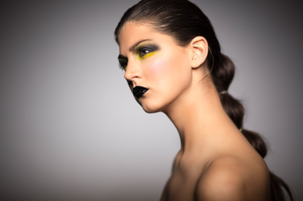 Heavy MakeUp Project at the studio with Laura Heer as the Model and Maja Ibragimova for MakeUp and Hair https://danielbierstedt.de/extrem-makeup-portraits-mit-majka/